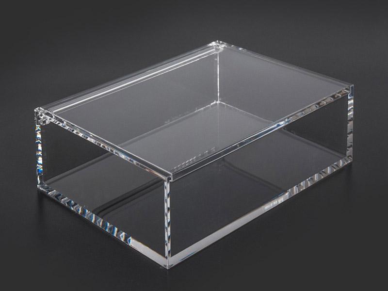 Fabricación de cajas de metacrilato